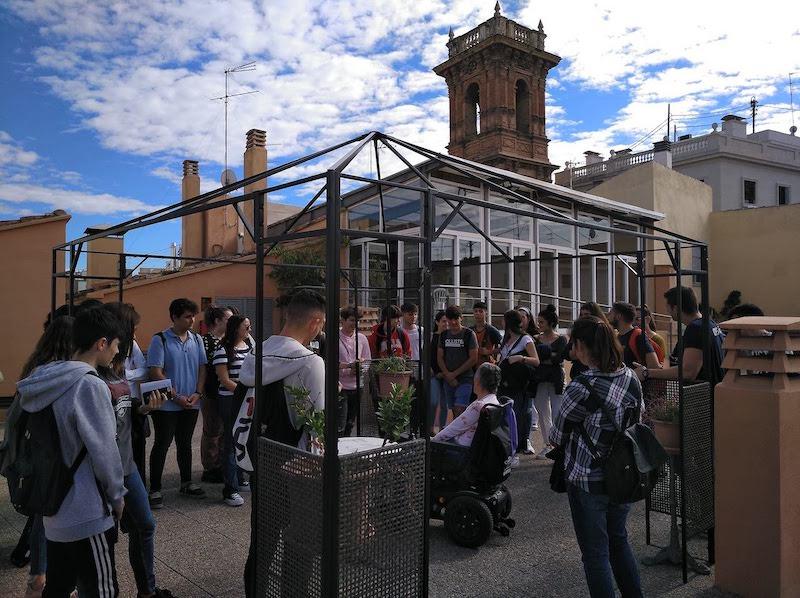 2.Visita de alumnado del IES Andreu Alfaro de Paiporta a la residencia Pepe Alba de personas con discapacidad de Codifiva